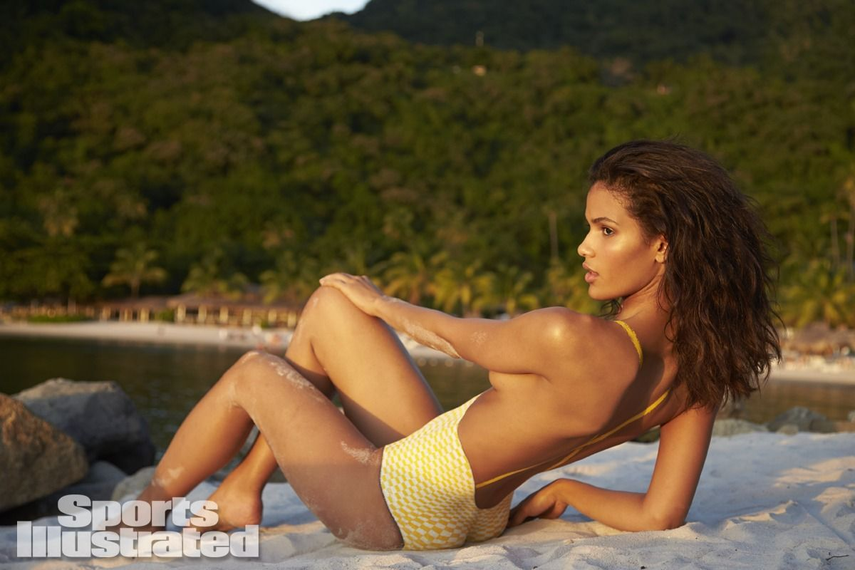 cris-urena-in-sports-illustrated-2014-swimsuit-issue_33.jpg - 99.89 KB