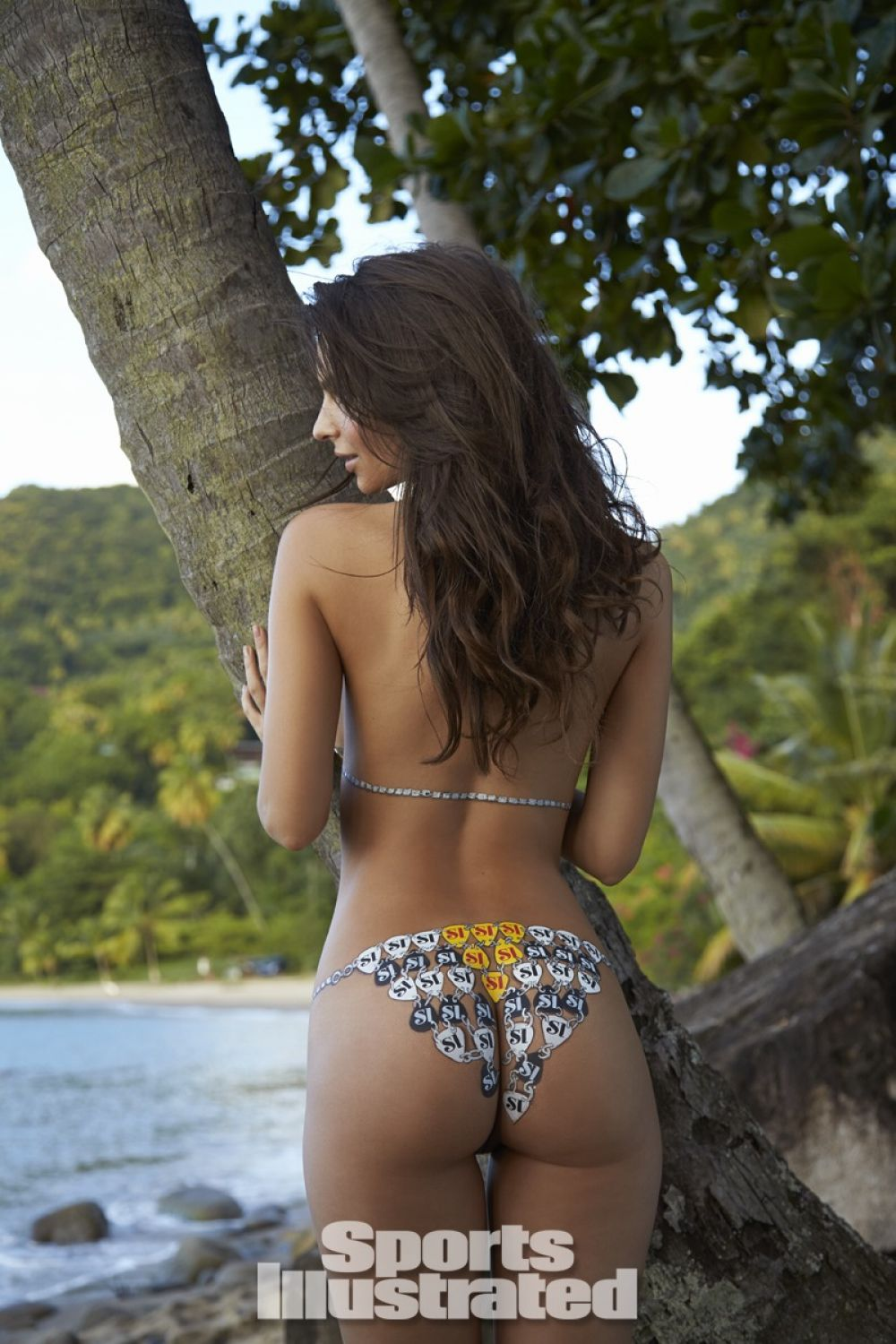 emily-ratajkowski-in-sports-illustrated-2014-swimsuit-issue_14.jpg - 189.39 KB