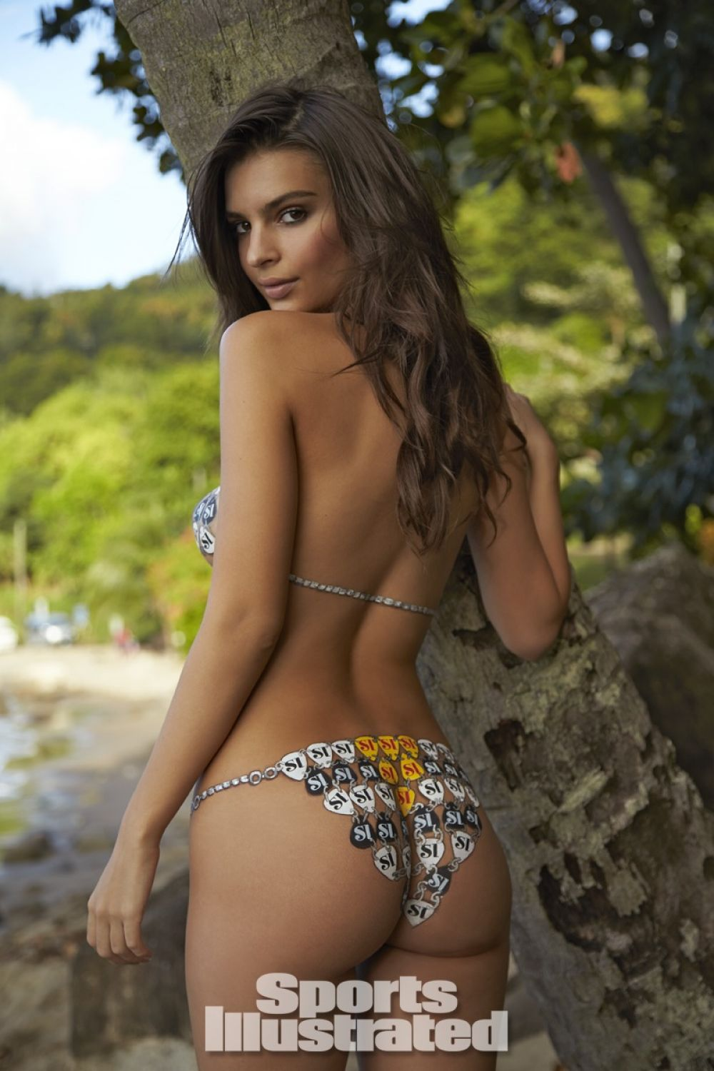 emily-ratajkowski-in-sports-illustrated-2014-swimsuit-issue_15.jpg - 151.95 KB