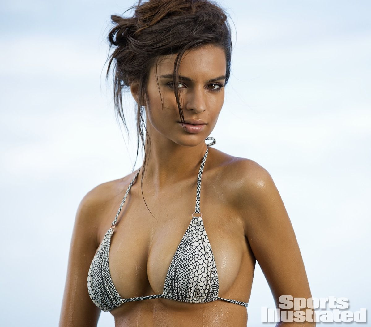 emily-ratajkowski-in-sports-illustrated-2014-swimsuit-issue_19.jpg - 119.05 KB