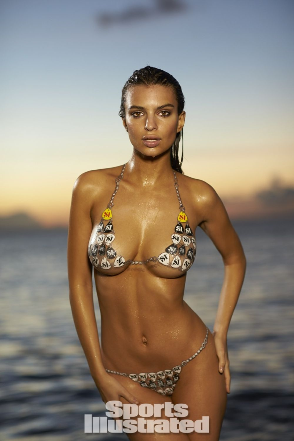 emily-ratajkowski-in-sports-illustrated-2014-swimsuit-issue_2.jpg - 108.22 KB