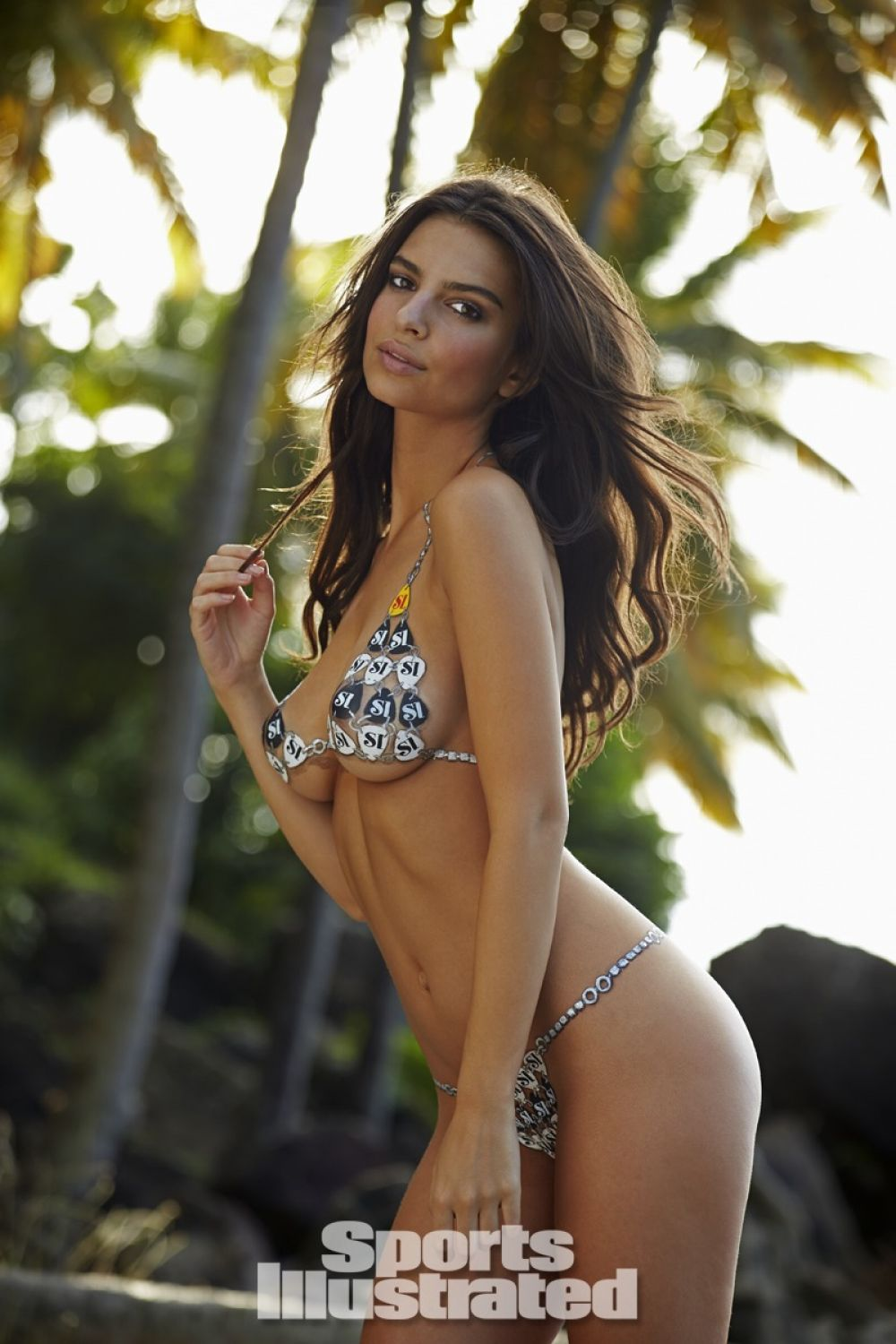 emily-ratajkowski-in-sports-illustrated-2014-swimsuit-issue_6.jpg - 147.10 KB