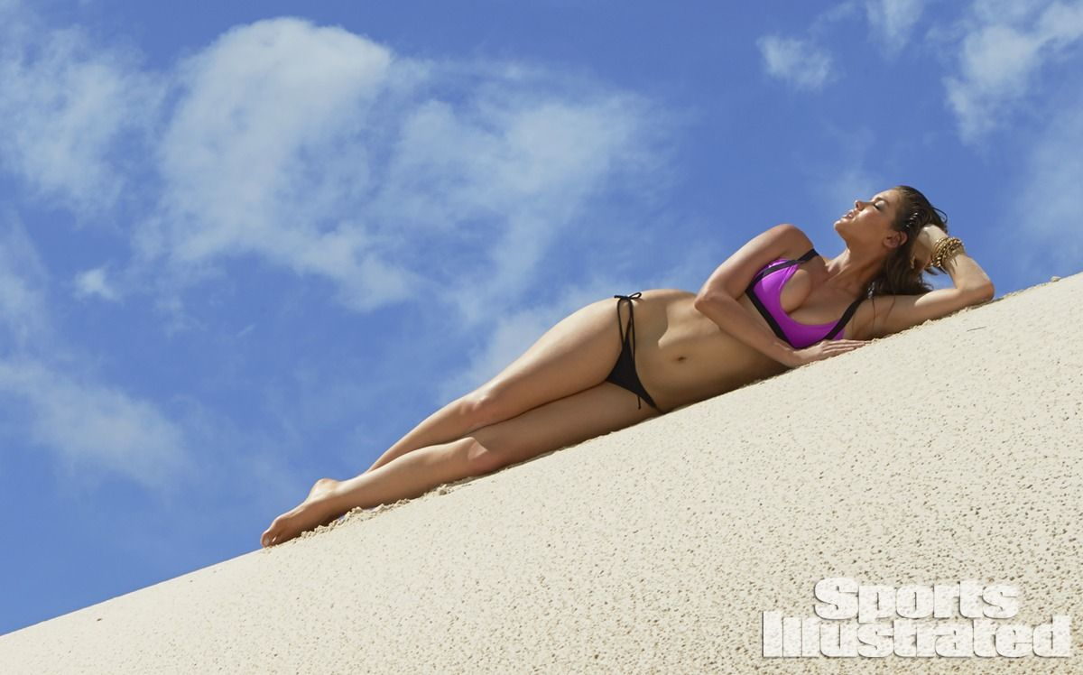 natasha-barnard-in-sports-illustrated-2014-swimsuit-issue_24.jpg - 96.63 KB