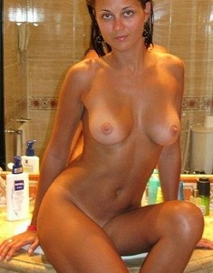 amateur-girls-naked-1547s.jpg