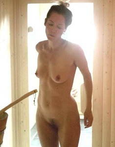 1-sienna-guillory-nude-full-frontal-on-fortitude-6949-8.jpg