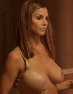 Charisma-Carpenter-Shows-Off-Kinky-fh.jpg