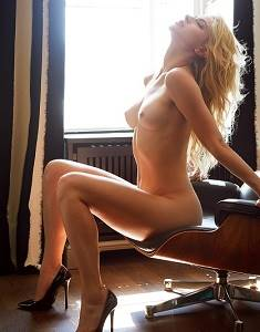 Lea Gotz Naked in Playboy-89t7NfgK.jpg