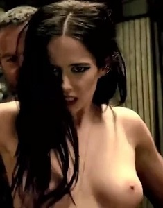 eva-green-topless-in-300-rise-of-an-empire-7.jpg