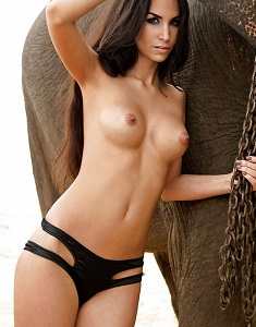 sila_sahin_for_playboy_3237.jpg