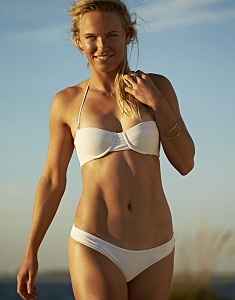 caroline-wozniacki-in-sports-illustrated-swimsuit-2015-issue-_11.jpg