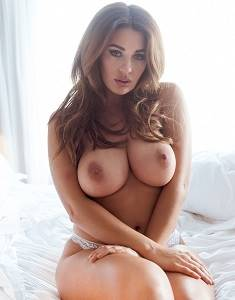 Holly-Peers-3dfg34.jpg