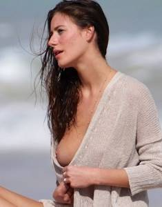 alejandra-guilmant-topless-photo-shoot-in-miami-09.jpg